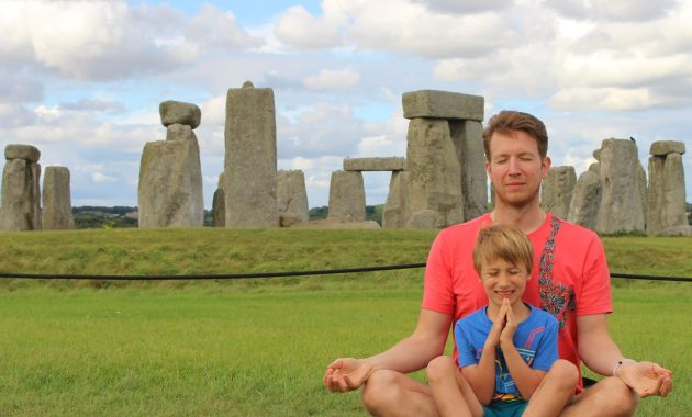 Simon and Jay meditating at Stonehenge - from AnAccidentalAnarchist.com